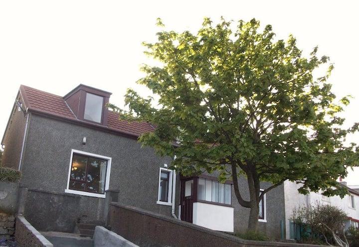 Bayview, Lerwick, large 5 bedroom house