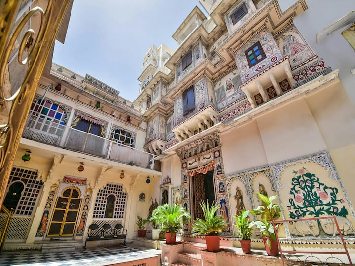 Shree Jagdish Mahal Heritage Hotel   Welcome You