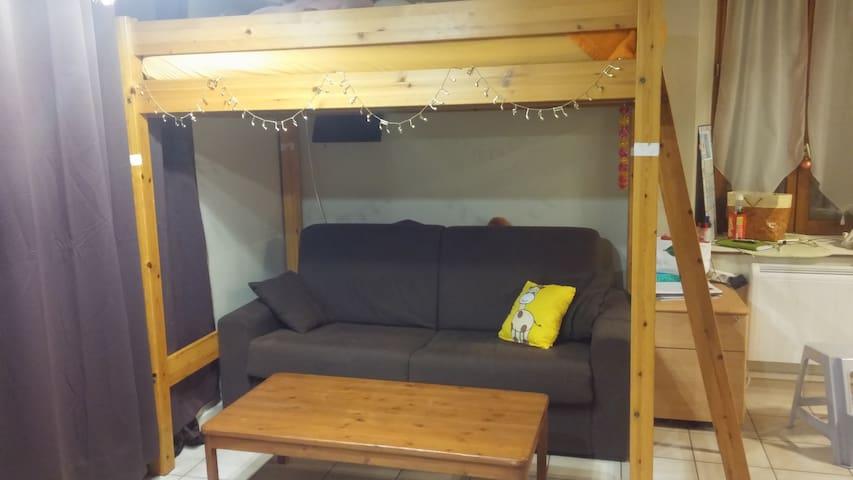 Beau studio avec jardin proche gare + parking - Osny - Daire