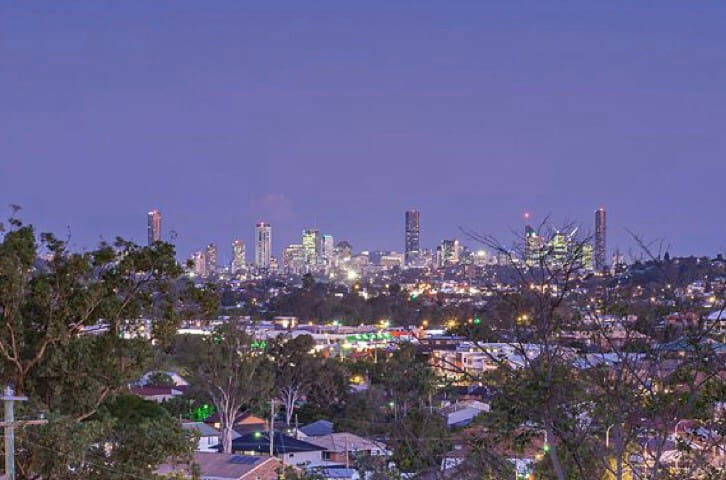 Near new home City views 8k Brisbane's CBD