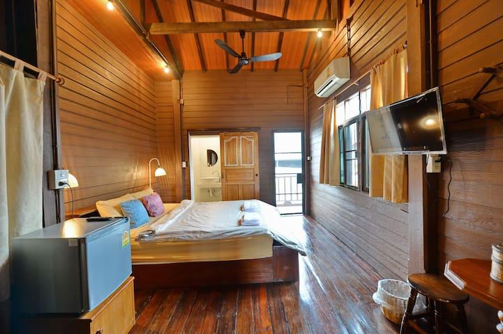 HuanKawin Est.58 Lanna Home: Boutique King Room