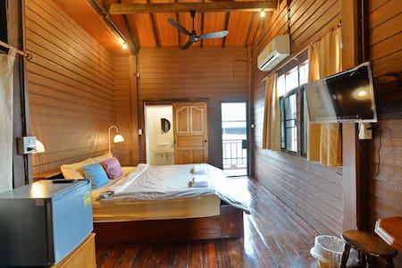 HuanKawin Est.58 Lanna Home: Boutique King Room