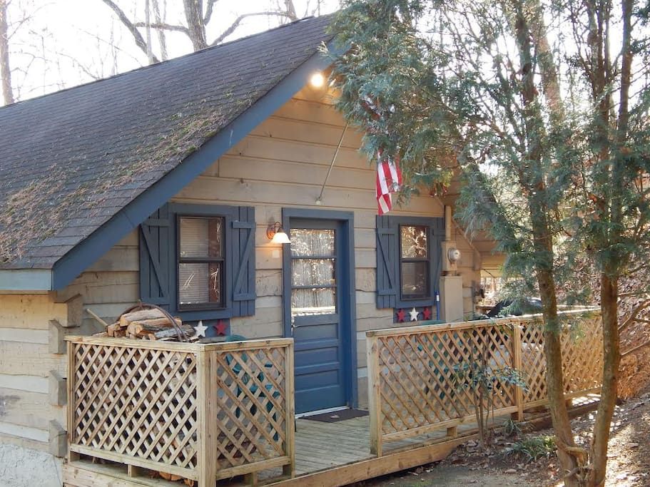 Studio log cabin pigeon forge cabins for rent in for 2 bedroom cabins for rent in pigeon forge tn
