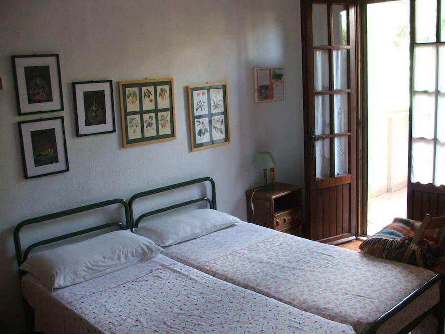Camera con due letti singoli/Twin bedroom