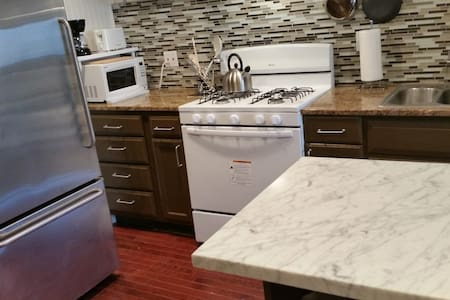 Duplex Apartment Furnished Haven in Fed Hill