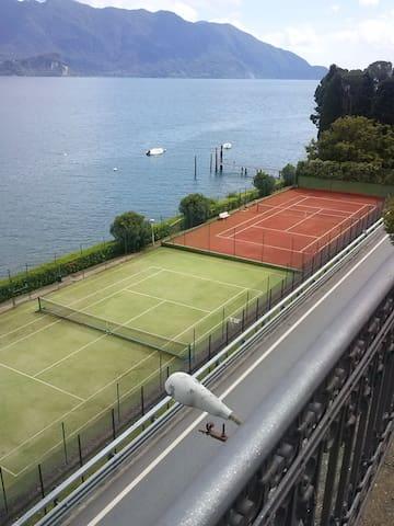Campi da tennis  (terra/sintetico)