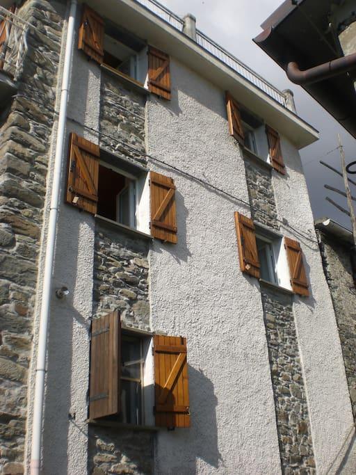 Casa del minatore houses for rent in orero liguria italy for Piani di case modulari con 2 master suite