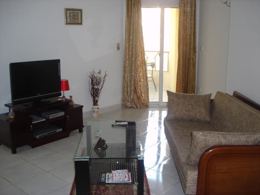 Large 1 bedroom 65m2 – Modern and fully equipped – Great location
