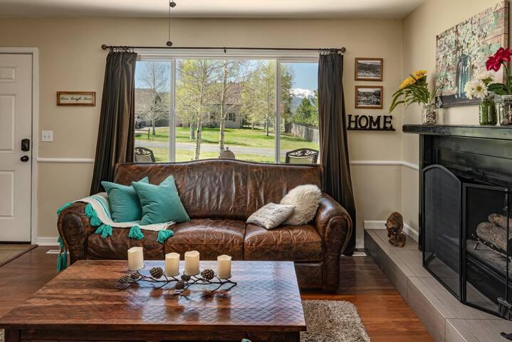 Ranch Style home with Star Gazing Front & Back Porch, Alexa, Xfiniti, Apple TV , Netflix Entertainment