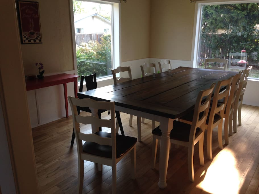Dinning room table seats 10 comfortably.