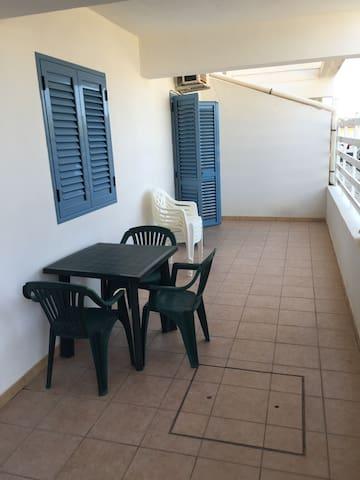 Moderno e accogliente appartamento - Casuzze - Lejlighed