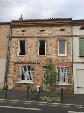 2 room flat in stone house with private terrasse