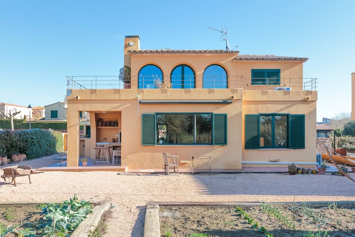 Beautiful house in the heart of Empordà - Monells
