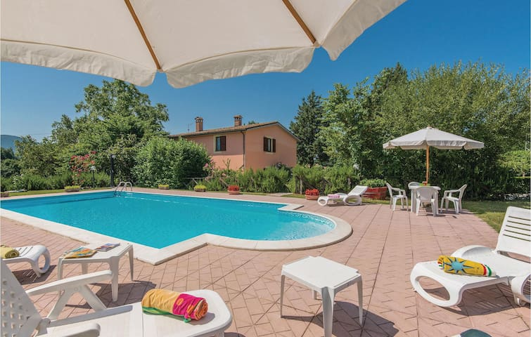 Holiday cottage with 3 bedrooms on 160m² in Acquasparta TR