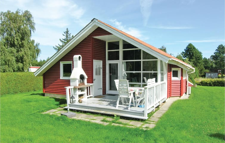 Holiday cottage with 3 bedrooms on 75m² in Præstø