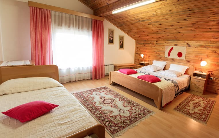 Lovely rooms near the forest - Postojna - Oda + Kahvaltı