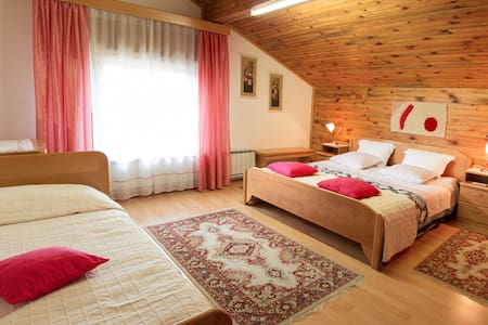 Lovely rooms near the forest - Postojna