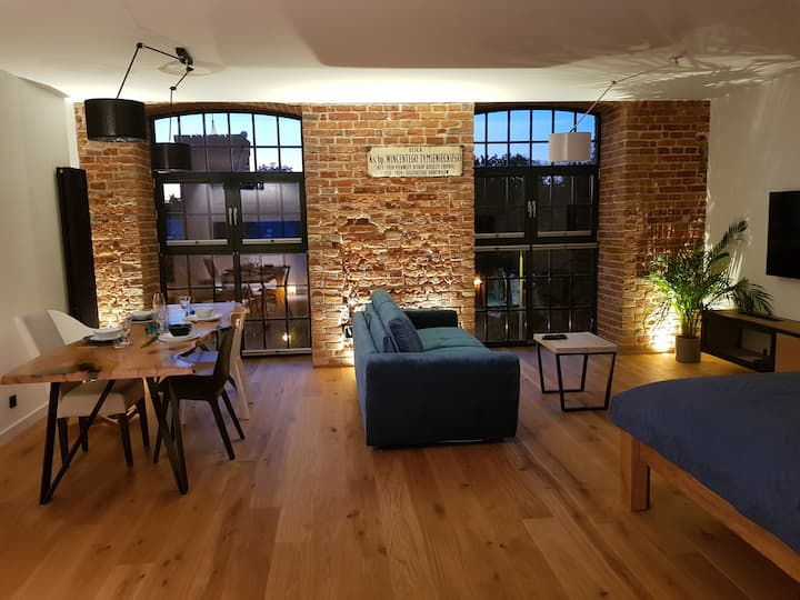 Home Factory Loft IV