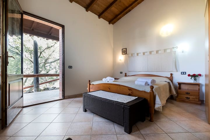 Camera Casa sulle scale - Arbus - Bed & Breakfast