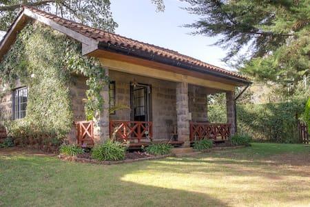 Kombo Cottage - Karen - Bungalow