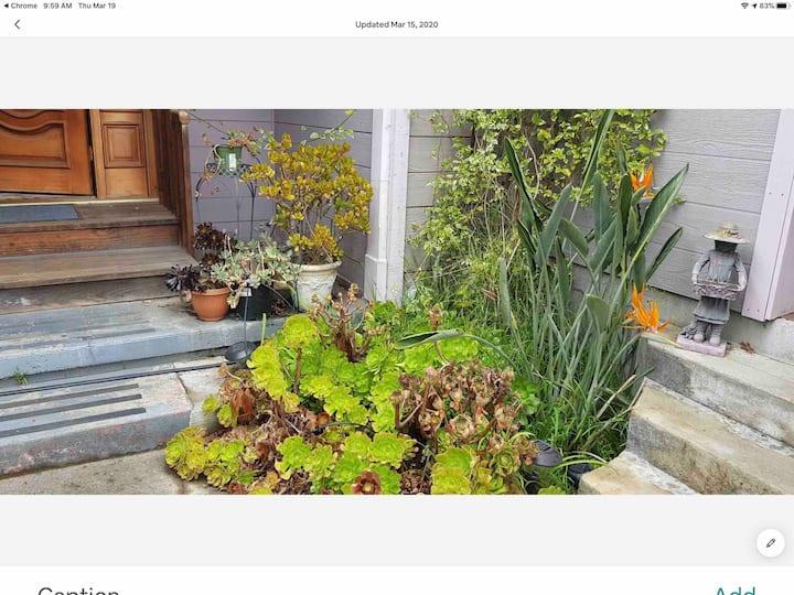 Private studio w garden view in Napa self checking