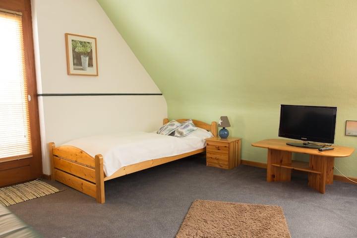 Sehr ruhige, voll ausgestattete 1-Zimmerwohnung