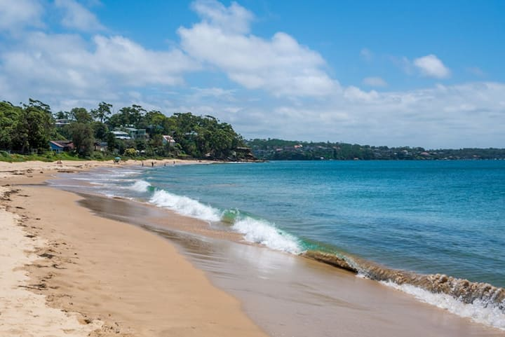 Absolute Beach Front Hordens Beach House Bundeena