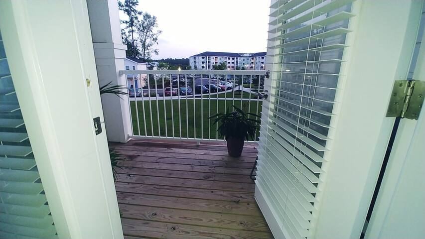 New Myrtle Beach Apt with balcony in Market Common
