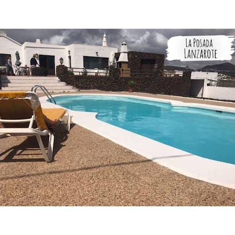 large guest house with wi fi & pool - Tías - Villa