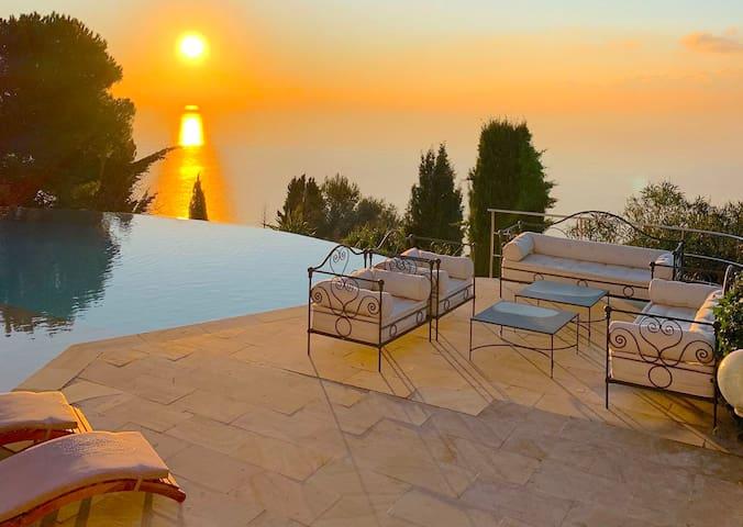 Splendid designer Villa Almarine Eze