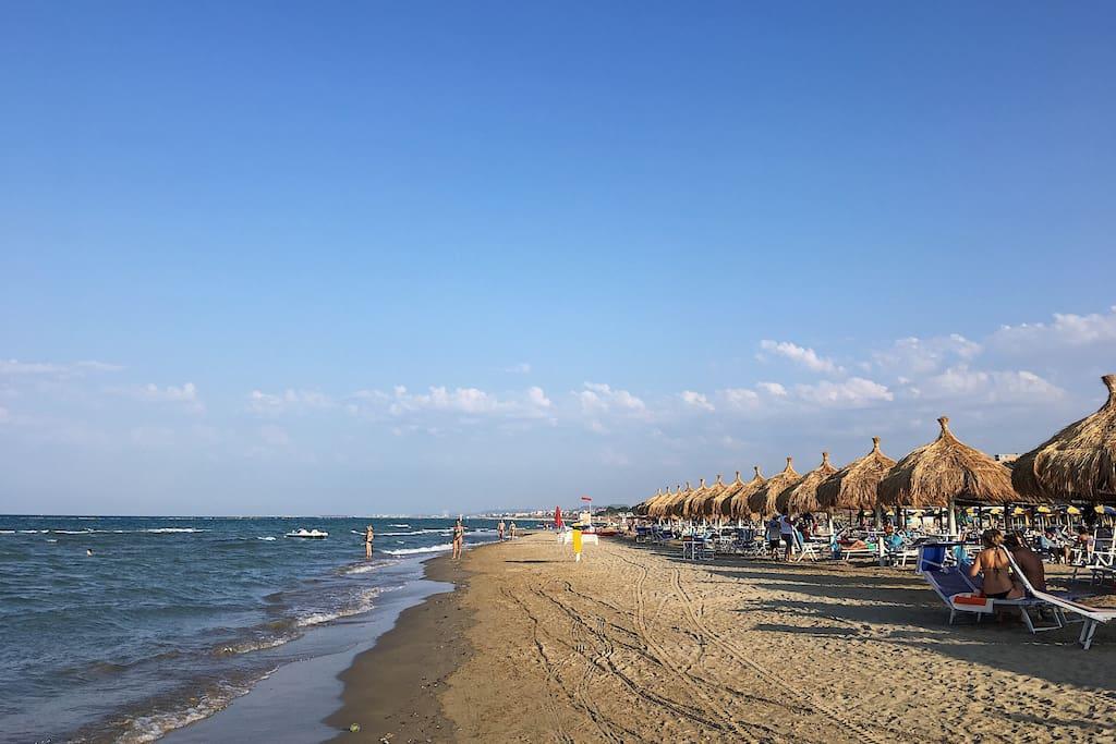 Sandy beaches a step away from home / Spiagge sabbiose a un passo da casa