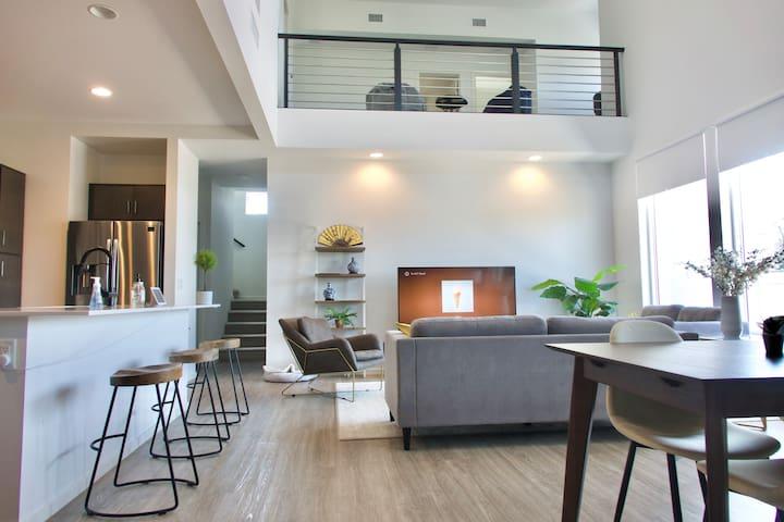 Private room in an Ultramodern Loft