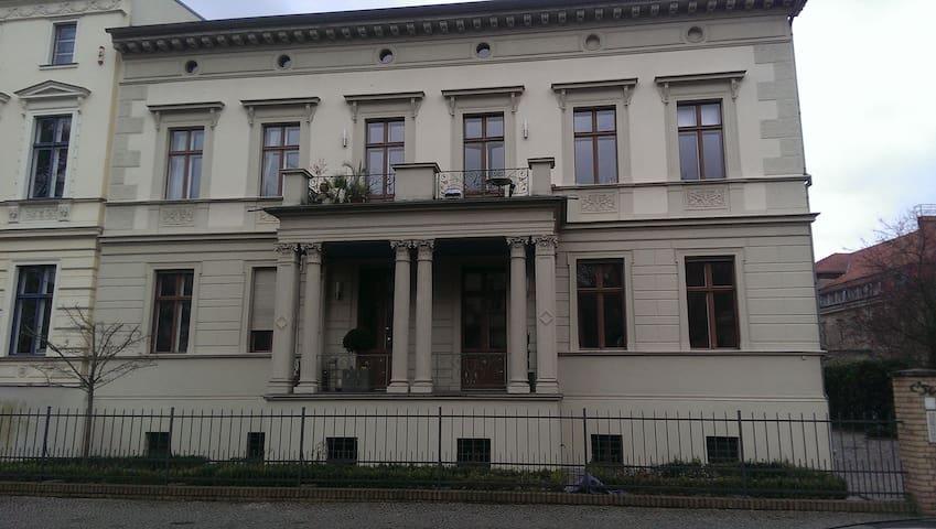 Apartment mit persönlicher Note - Potsdam - Leilighet