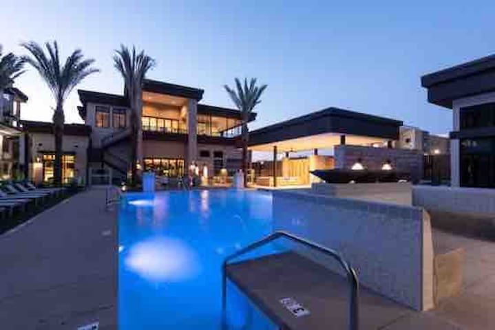 Cancelation special Tempe  resort style 1 Bdr/bth