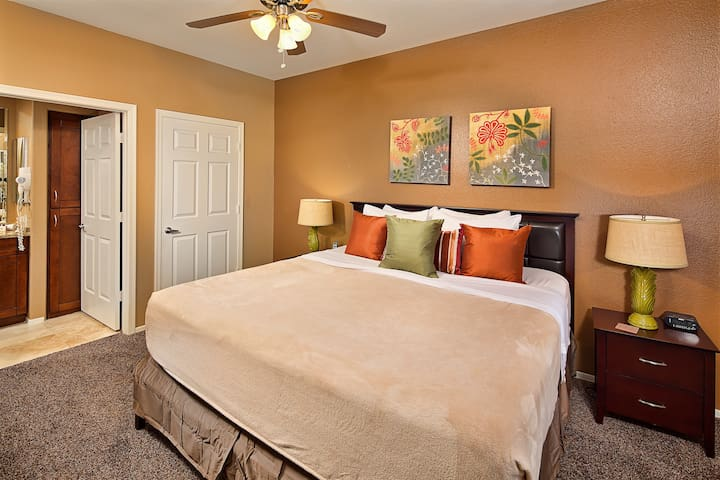 Comfortable master suite with king bed and large walk-in-closet. En-suite master bathroom.