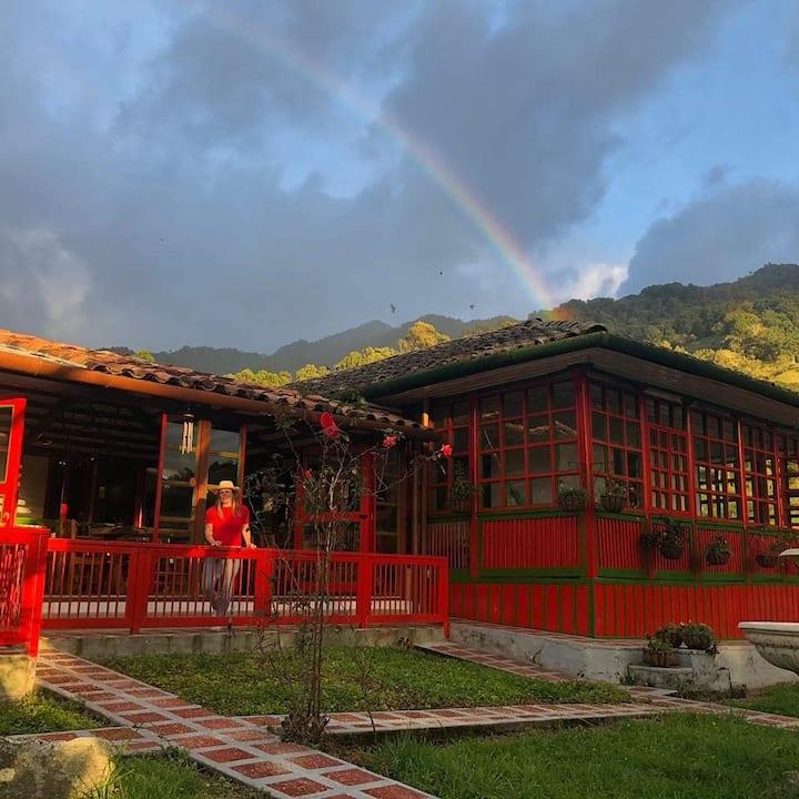 HOTEL PINOHERMOSO Reserva Natural. Valle de Cocora