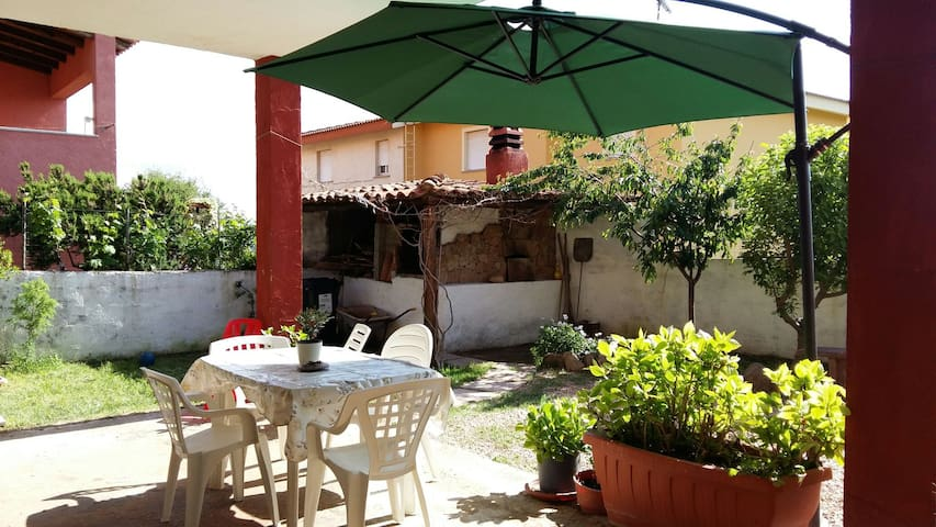 Holiday's Apartment with garden and WIFI