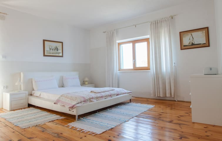 Villa Just for Two with shared pool & sea view - Kaluđerac - Villa
