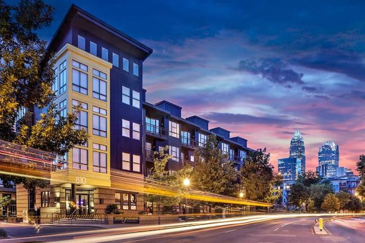Domio | Uptown Charlotte | Superb Studio | Balcony + Pool + Parking