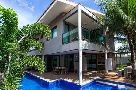 Casa em Condomínio em Fortaleza - Eusébio