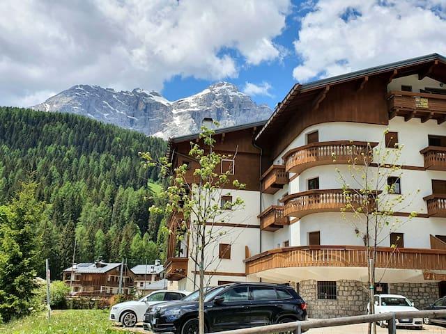Stupendo Appartamento a Pecol-Valzoldana-Dolomiti