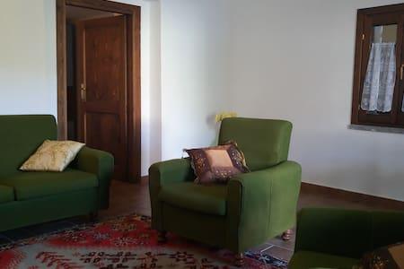 Casa vacanze Il castagno: la natura tutt'intorno - Stroncone - Apartment