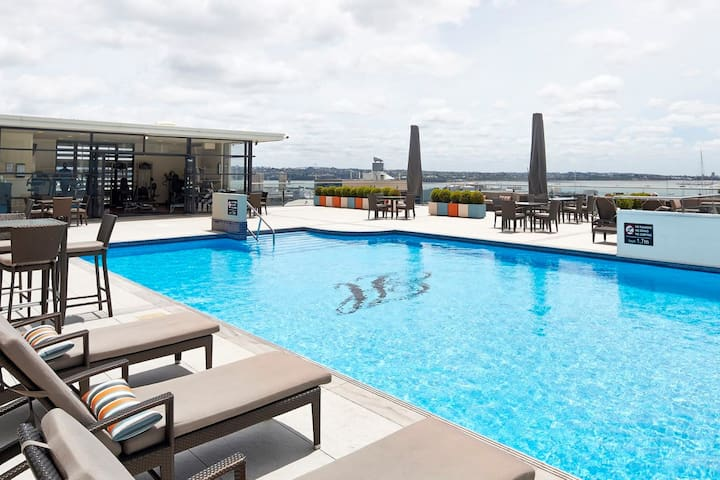 Rooftop Pool, Spa, Gym, Bar and Lounging