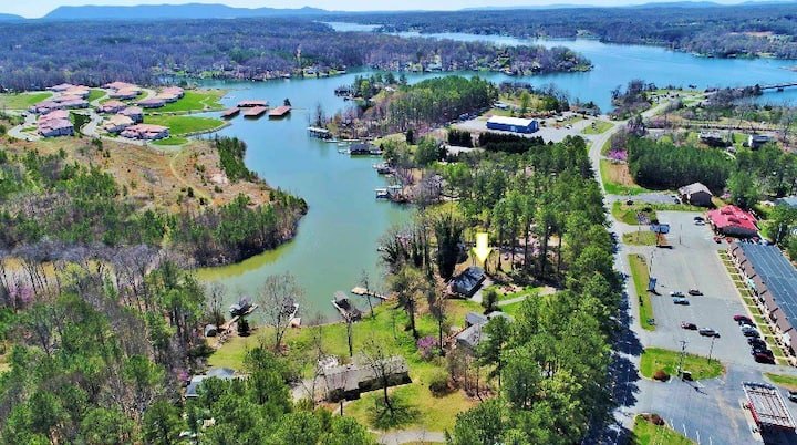 Relax and play at our Lake front home on SML!