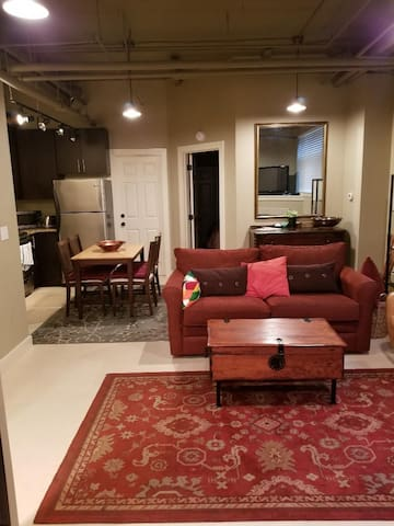Fabulous Fully Furn'd Apt. near U of W/U Village