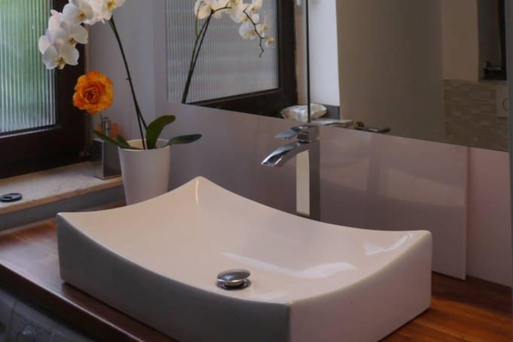 Lux zimmer mit bad u terrasse am rhein messe show bed - Badezimmer 15qm ...