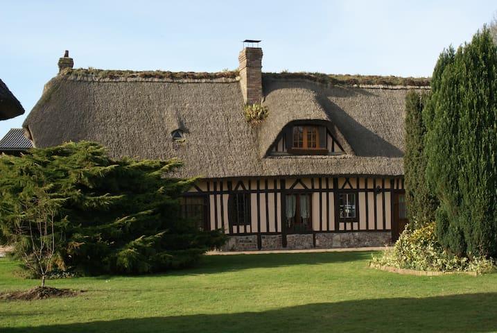La Paillotte Chaumière avec piscine - Saint-Romain-de-Colbosc - Casa