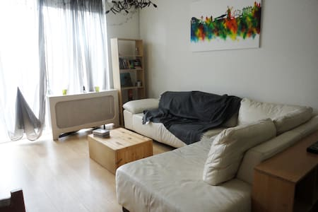 Couch to rent - Amszterdam