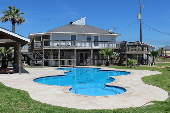Amazing Canal House W/ Pool minutes from Beach! - Freeport - Hus