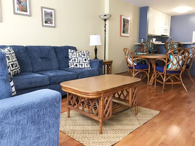 Island living - large one bedroom condo to accommodate a family of up to 6.